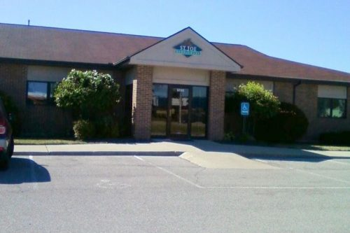 Exterior view of Dr. Steven Ellinwood's cosmetic dentistry office in Fort Wayne, IN 46835